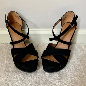 Abound Black Wedges
